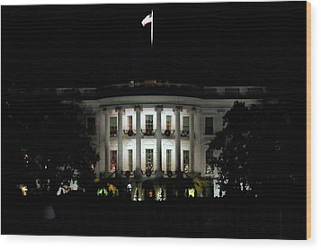 Wood Print featuring the photograph White House In December by Suzanne Stout