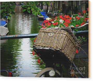 Wicker Bike Basket With Flowers Wood Print by Lainie Wrightson