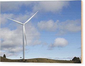 Wind Turbine  Wood Print by Les Cunliffe