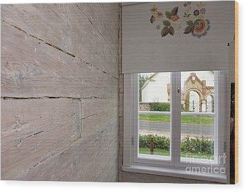 Window In Old Log Cabin Wood Print by Jaak Nilson