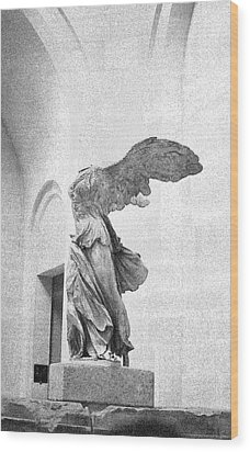 Wood Print featuring the photograph Winged Victory Of Samothrace by Louis Nugent