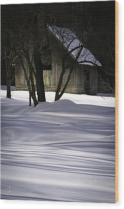 Winter Barn Wood Print by Rob Travis