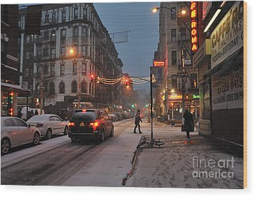 Winter Night On Mulberry Street Wood Print by Ed Rooney