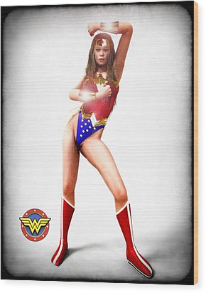 Wonder Woman Wood Print by Frederico Borges