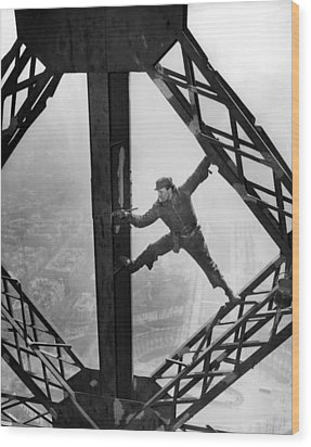 Worker Painting The Eiffel Tower Wood Print by Everett