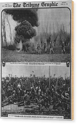 World War I, The Tribune Graphic, Top Wood Print by Everett
