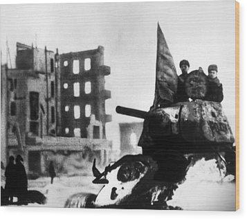 World War II, Russian Winter Offensive Wood Print by Everett