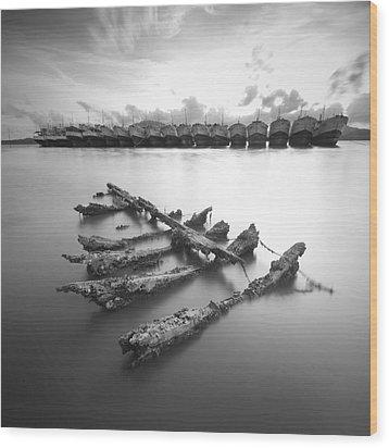 Wreck Wood Print by Teerapat Pattanasoponpong