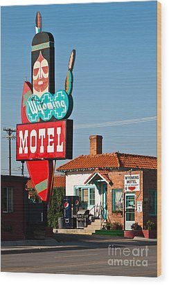 Wyoming Motel Wood Print by Lawrence Burry