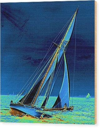 Yacht Shamrock In New York Harbor 1895 Wood Print by Padre Art