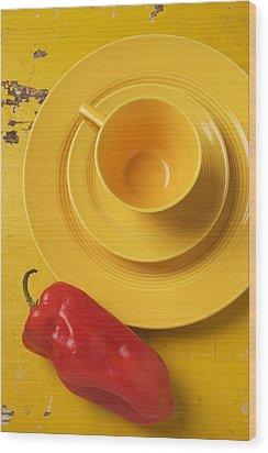 Yellow Cup And Plate Wood Print by Garry Gay