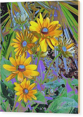 Yellow Daisies Wood Print by Doris Wood