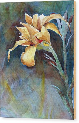 Yellow Iris Wood Print by Alan Smith
