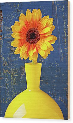 Yellow Mum In Yellow Vase Wood Print by Garry Gay