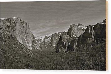 Wood Print featuring the photograph Yosemite Valley by Eric Tressler