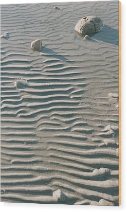 Zen Ripple And Rock Shore Wood Print by Peg Toliver