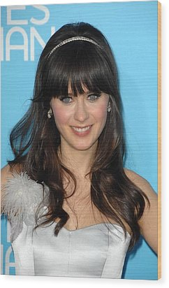 Zooey Deschanel At Arrivals For Los Wood Print by Everett