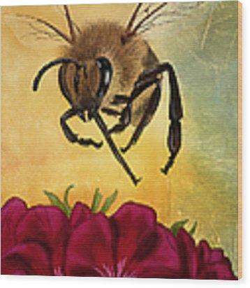 Bee I Wood Print