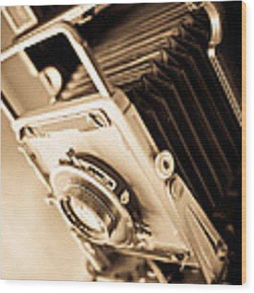 Old Press Camera Wood Print by Edward Fielding