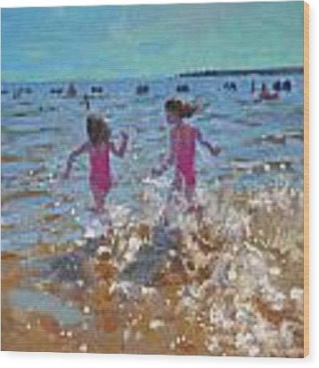 Splashing In The Sea Wood Print by Andrew Macara