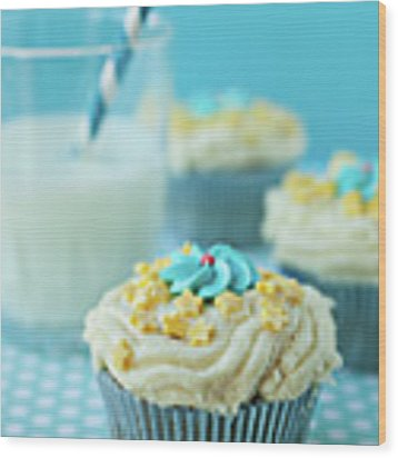 Cup Cake With Stars Topping Wood Print