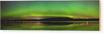 Aurora Over The Beauly Firth Wood Print