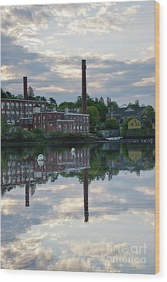 Exeter New Hampshire Usa Wood Print by Erin Paul Donovan