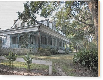 Plantation Home Wood Print by John Hix