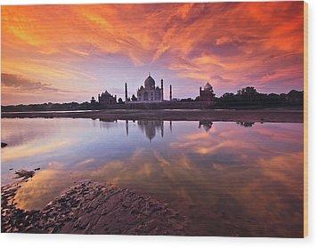 .: The Taj :. Wood Print by Photograph By Ashique