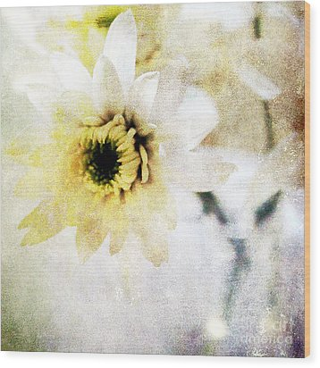 White Flower Wood Print by Linda Woods