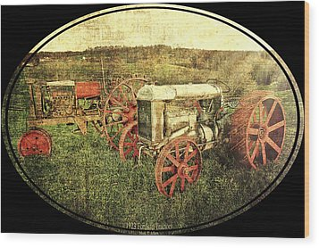 Vintage 1923 Fordson Tractors Wood Print by Mark Allen