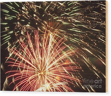 4th Of July Fireworks Wood Print by Joe Carini - Printscapes