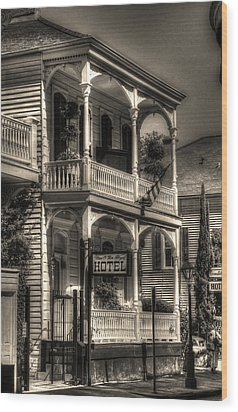 905 Royal Hotel Wood Print
