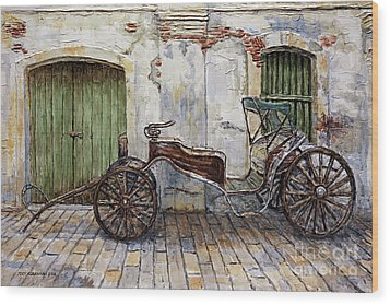 A Carriage On Crisologo Street 2 Wood Print by Joey Agbayani