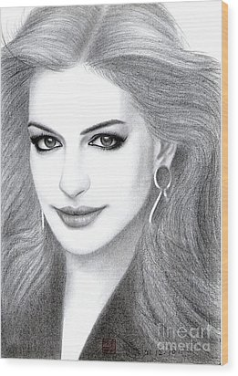 Wood Print featuring the drawing Anne Hathaway by Eliza Lo
