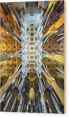 Basilica De La Sagrada Familia Wood Print