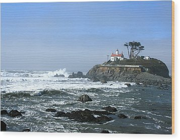 Battery Point Lighthouse Crescent City 1 Wood Print by Larry Darnell
