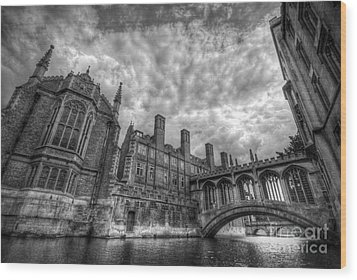 Bridge Of Sighs - Cambridge Wood Print by Yhun Suarez