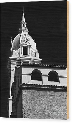 Cathedral In Cartagena Wood Print by John Rizzuto