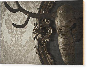 Cervo Wood Print by Francesca Dalla benetta