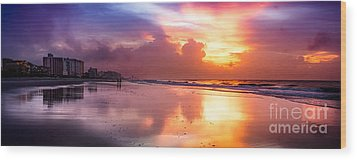 Crescent Beach September Morning Wood Print by David Smith