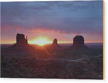 Daybreak Wood Print by Gordon Beck