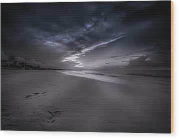 Wood Print featuring the photograph Dominicana Beach by Peter Lakomy
