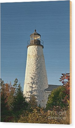 Dyce Head Lighthouse Wood Print by John Greim
