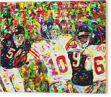 Eli Manning Wood Print by Mike OBrien