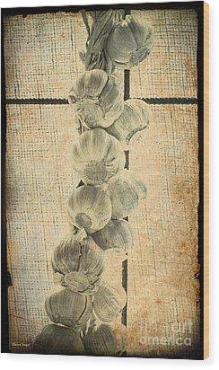 Garlic Wood Print by Elaine Teague