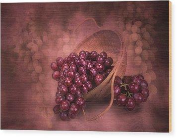 Grapes In Wicker Basket Wood Print by Tom Mc Nemar