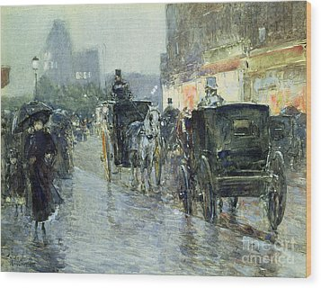 Horse Drawn Cabs At Evening In New York Wood Print by Childe Hassam