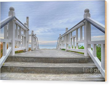 Hotel Del Coronado Wood Print by Kelly Wade