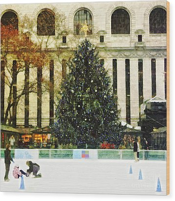 Ice Skating During The Holiday Season Wood Print by Nishanth Gopinathan